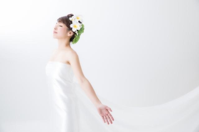 美しい歯並びで結婚式を迎える「ブライダルに向けた矯正」とは