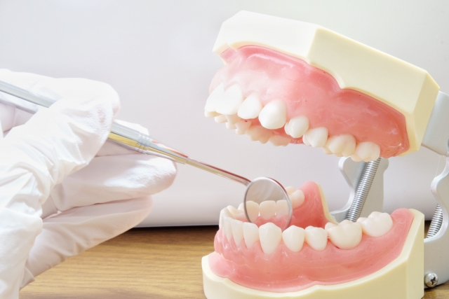 はじめての裏側矯正Q&A−目立たない歯列矯正を受けたい人の不安を解決